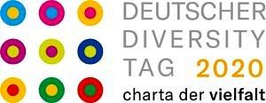 Das Bild zeigt das Logo des Deutschen Diversity Tags 2020: neun bunte Kreise, daneben der Schriftzug Deutscher Diversity Tag 2020 sowie Charta der Vielfalt